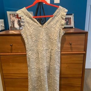 Anthropologie size 4 v neck and back fitted dress